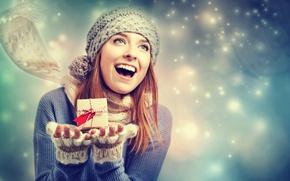 Картинка радость, митенки, свитер, шарф, девушка, шапка, коробочка, подарок, снег