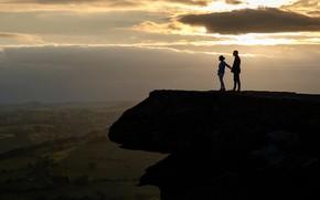 Картинка девушка, скала, высота, вечер, парень, двое, Peak District