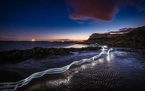Обои след, ночь, берег, свет, море