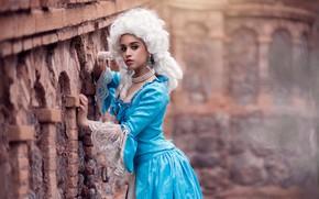 Картинка взгляд, украшения, платье, парик, Chloe Britannia