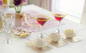 Обои цветы, праздник, печенье, бокалы, конфеты, ваза, крем, сладкое, глазурь, кексы, капкейки
