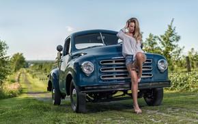 Картинка машина, девушка, поза, шорты, грузовик, Studebaker