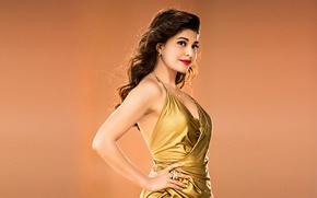 Картинка взгляд, красные губы, улыбака, bollywood, Jacqueline Fernandez, india girl, прическА, золотое платье