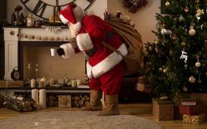Картинка огонь, праздник, шапка, игрушки, ковёр, сапоги, свечи, Рождество, чашка, подарки, Новый год, дрова, перчатки, шуба, …