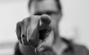 Обои человек, рука, палец