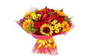 Картинка подсолнухи, цветы, розы, букет, желтые, красные, белый фон, герберы, хризантемы, ленточка