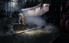 Обои чемодан, мальчик, поезд