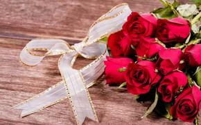 Картинка цветы, розы, букет, лента, красные, red, бант, бутоны, wood, flowers, romantic, roses, bud
