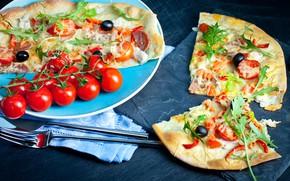 Картинка сыр, вилка, пицца, помидоры, оливки, колбаса