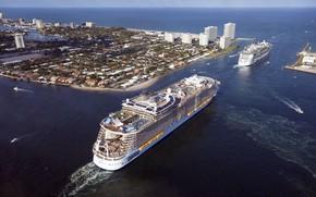 Картинка Город, Лайнер, Сверху, Судно, Oasis of the Seas, Пассажирский, Два, Пассажирский лайнер, Катера, Кильватер, Independence ...