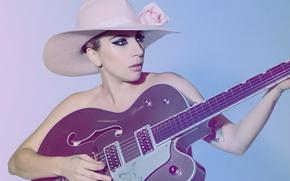 Обои гитара, SNL, Lady GaGa, макияж, прическа, певица, Mary Ellen Matthews, Леди Гага, фон, шляпа