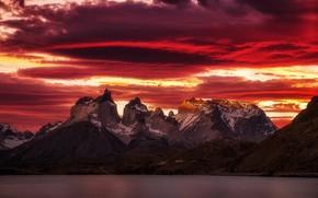 Обои закат, облака, небо, горы, озеро, вечер