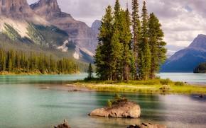 Обои облака, Канада, скалы, лес, Джаспер, озеро, деревья, горы, камни