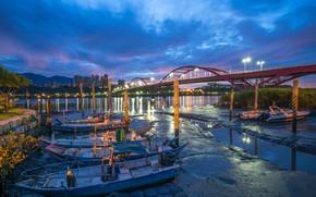 Картинка облака, пейзаж, горы, мост, огни, река, дома, лодки, вечер, Тайвань, New Taipei