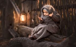 Картинка девочка, платок, лампа