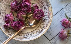 Картинка розы, тарелка, ложка