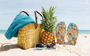 Обои песок, море, пляж, лето, отдых, очки, summer, сумка, ананас, beach, каникулы, sea, sand, pineapple, сланцы, ...
