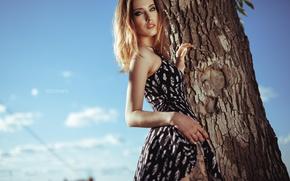Картинка взгляд, дерево, модель, платье, SOLOVЬEV, Артем Соловьев, Анастасия Инкина
