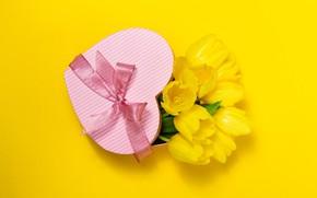 Картинка цветы, подарок, сердце, букет, желтые, тюльпаны, love, бант, heart, yellow, flowers, romantic, tulips, present, spring