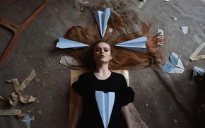 Картинка девушка, фантазия, мусор, волосы, на полу, локоны, Никита Чунтомов