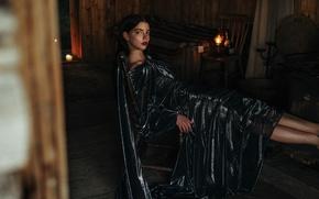 Картинка огонь, модель, свечи, макияж, платье, брюнетка, прическа, полумрак, фотосессия, позирует, в черном, на стуле, сидя, …