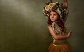 Обои рыжеволосая, настроение, балерина, фон, рыжая, веснушки, девочка, цветы, поза