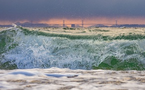 Картинка море, шторм, мост, природа, берег, волна, Япония
