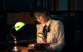 Обои блузка, iBi Photo, девушка, Daria Góźdź, настроение, библиотека, лампа, берет, лупа, книги