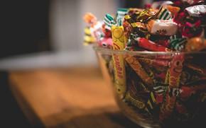 Картинка фон, конфеты, ваза