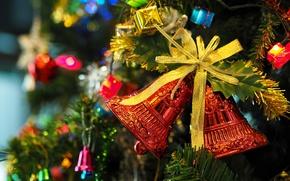 Картинка украшения, праздник, елка, гирлянда, бант, колокольчики