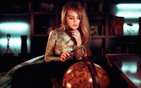 Обои лупа, глобус, Настя, Анастасия Щеглова