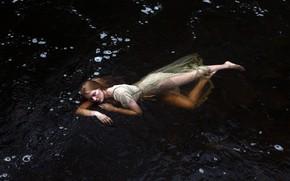 Обои природа, река, девушка