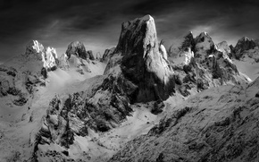 Обои горы, снег, скалы, чб фотография