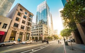 Картинка дорога, небо, деревья, машины, город, люди, улица, здания, тротуар, San Francisco, проезжая часть, прохожие, сан …