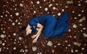 Картинка девушка, цветы, поза, настроение, платье, Monica Lazar