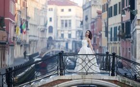 Картинка девушка, мост, стиль, платье, Италия, Венеция, канал, Alexandrina Calancea