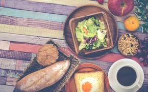 Обои виноград, завтрак, тост, яблоко, хлеб, яичница, салат, кофе, мандарин