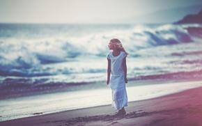 Картинка берег, прибой, девочка, Dreaming, Edie Layland