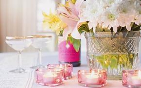 Картинка цветы, вино, лилии, бутылка, свечи, бокалы, ваза, хризантемы