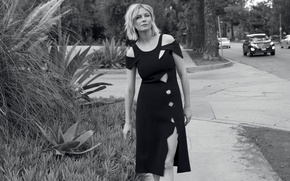 Картинка дорога, Kirsten Dunst, улица, фигура, платье, актриса, прическа, блондинка, черно-белое, тротуар, фотосессия, InStyle, Кирстен Данст