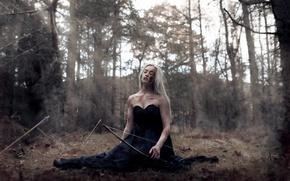 Обои лук, девушка, раны, стрелы, бой