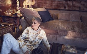 Картинка Kristen Stewart, hair, interior, look, sofa, actress