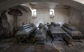 Картинка кладбище, склеп, гробы