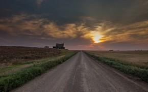 Обои дорога, поле, закат, дом