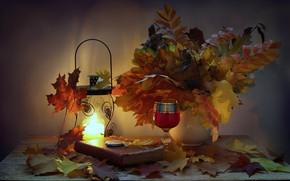 Обои часы, книга, листья, подсвечник, фонарик, натюрморт, вечер, свеча, осень