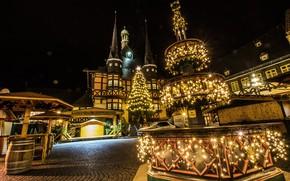 Картинка ночь, огни, праздник, новый год, дома, рождество, Германия, площадь, фонари, ёлка, гирлянды, Wernigerode