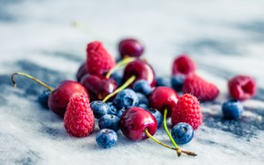 Картинка лето, ягоды, малина, черешня, голубика