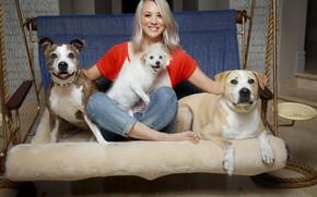 Картинка собаки, актриса, блондинка, Kaley Cuoco