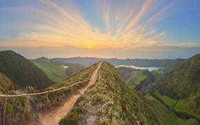 Обои долина, небо, возвышенность, тропа, Португалия, деревья, панорама, озёра, Azores, облака, лес, солнце, ущелье, Азорские острова, ...