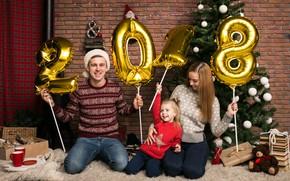Картинка праздник, шары, елка, новый год, семья, студия